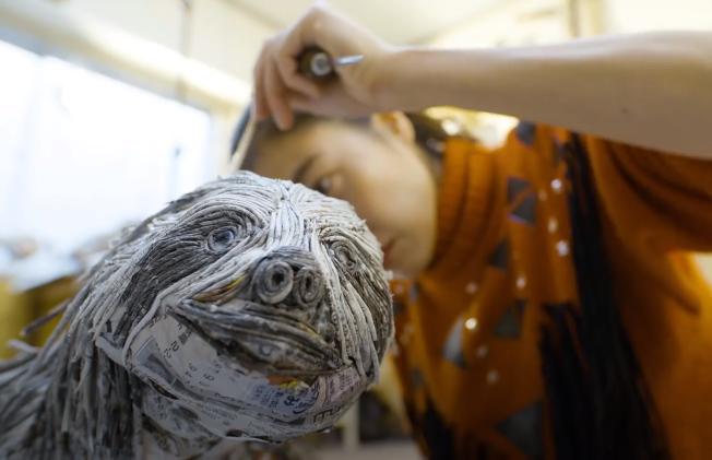 Japanese artist Chie Hitotsuyama creating animal sculptures