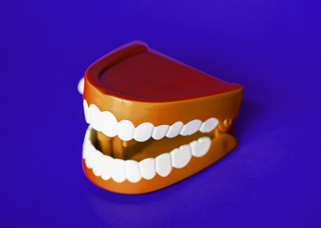 Homemade treatments to heal gums naturally