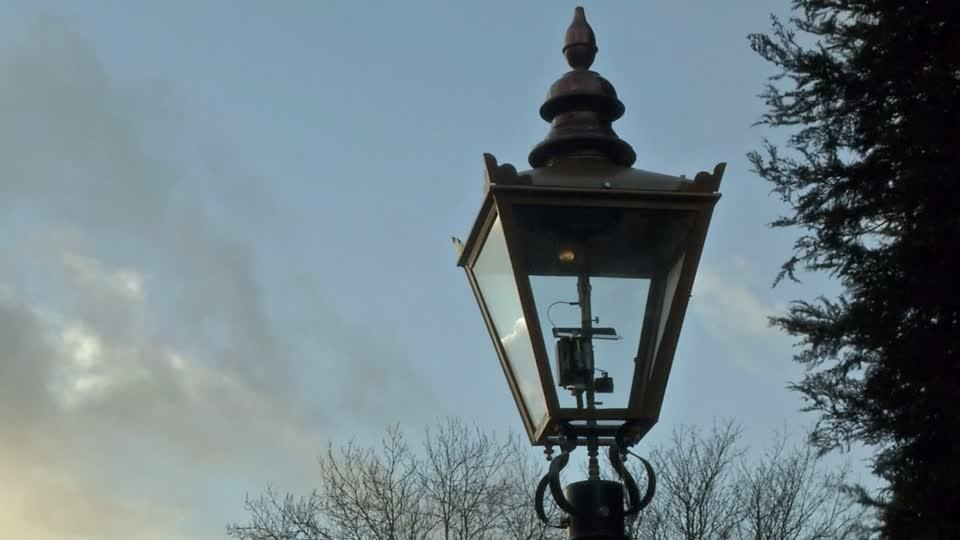 Street Lamp Powered By Dog Poop Lights Up Beauty Spot In